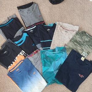 HUGE lot of 12 men's Hollister t shirts size large